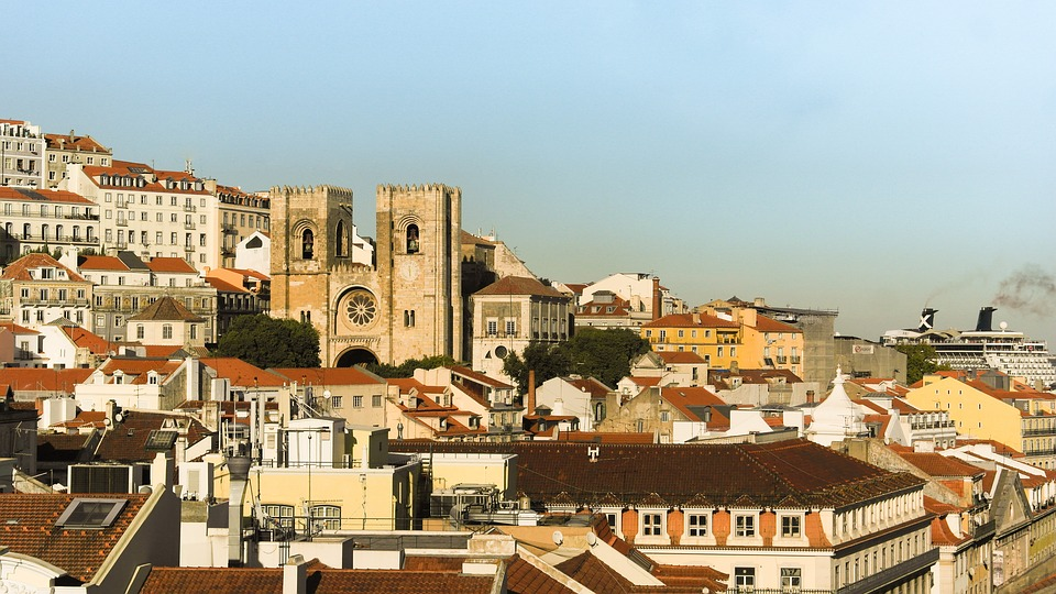 /Users/sarah/Documents/Upwork /June Vacations/Carcavelos Pictures/Lisbon.jpg