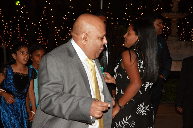 Nicole\'s uncle Evy boogieing