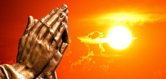 praying-hands-2534461_640