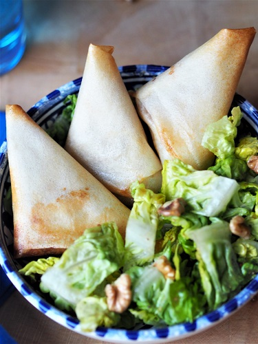 French recipe - Samosa French Style with Pears and Blue Cheese