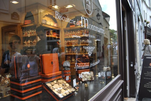 Store front Paris Montmartre