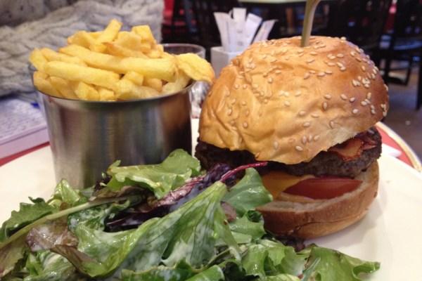 Burger at La Royale Paris