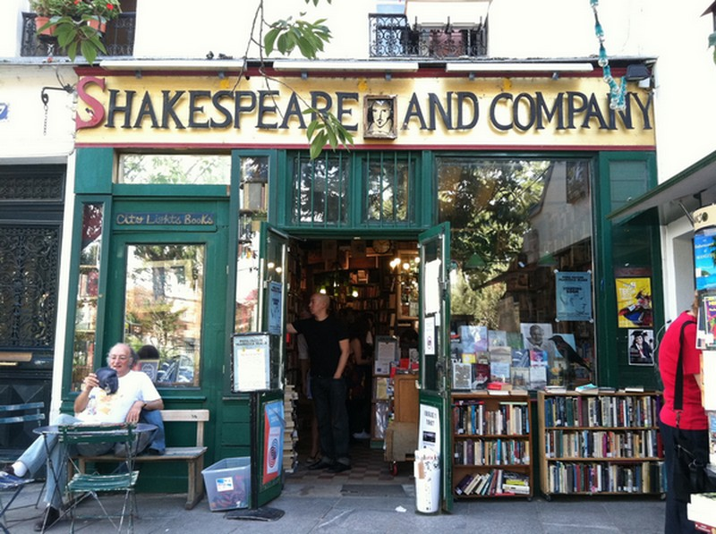 Shakespeare_and_Companyy