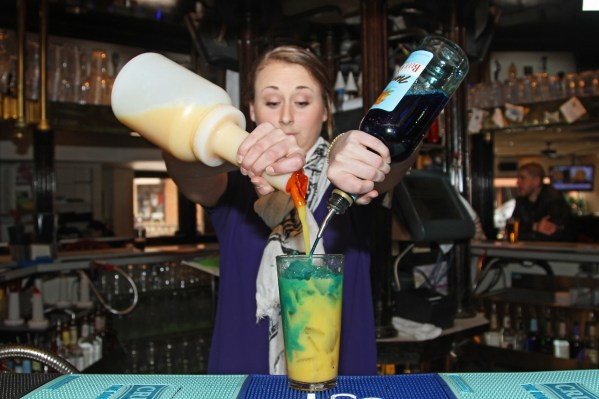 st. patricks day pub paris drinks