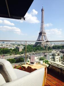 hotel paris Shangri la rooftop lounge