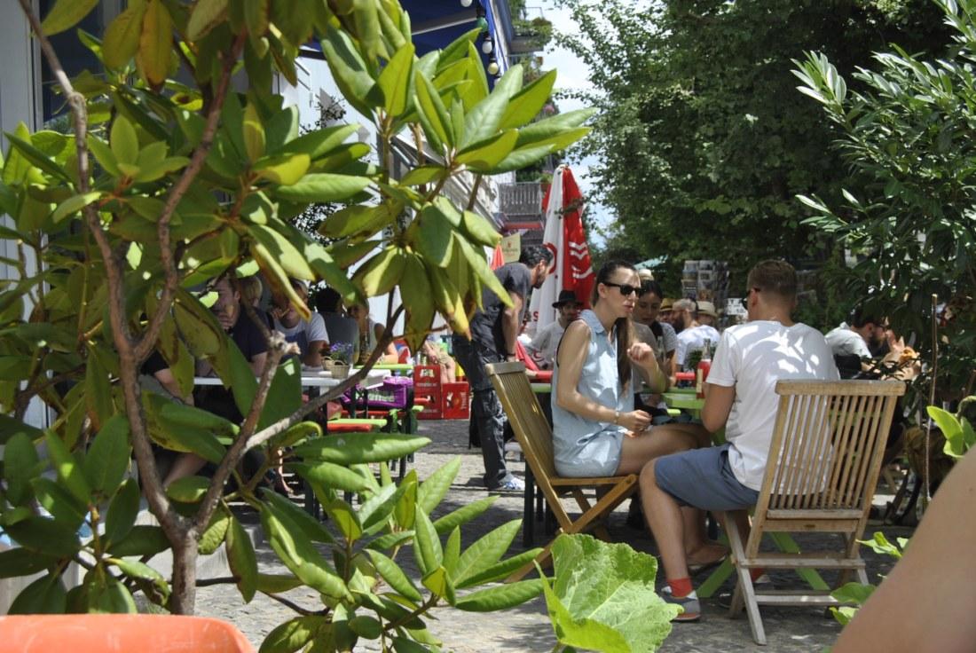 places to eat mauerpark berlin flea market4