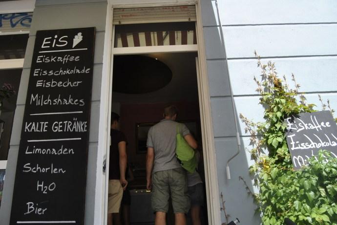 eis mauerpark berlin flea market4