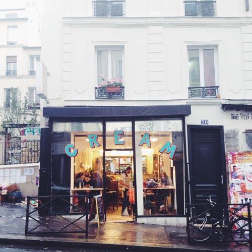 Cream coffee shop paris belleville