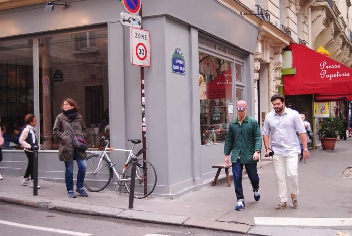 passager-paris-cafe