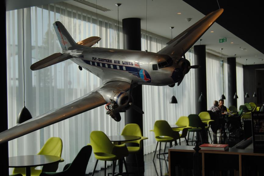 decor-citizen-m-paris-cool-airport-hotel