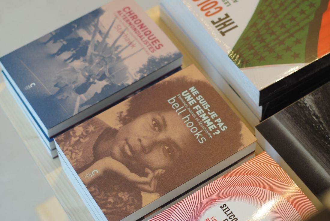 where-to-find-black-books-in-paris