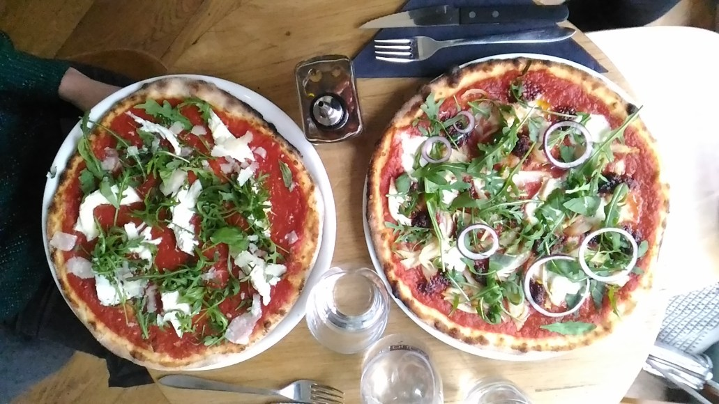 pizza-in-paris-sentier-where-to-eat-75002