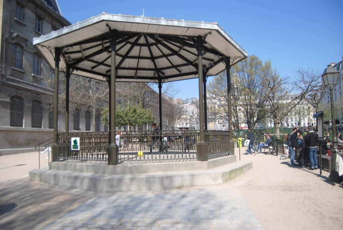 hotel-avalon-paris-my-parisian-life-blog-review-anvers-playground