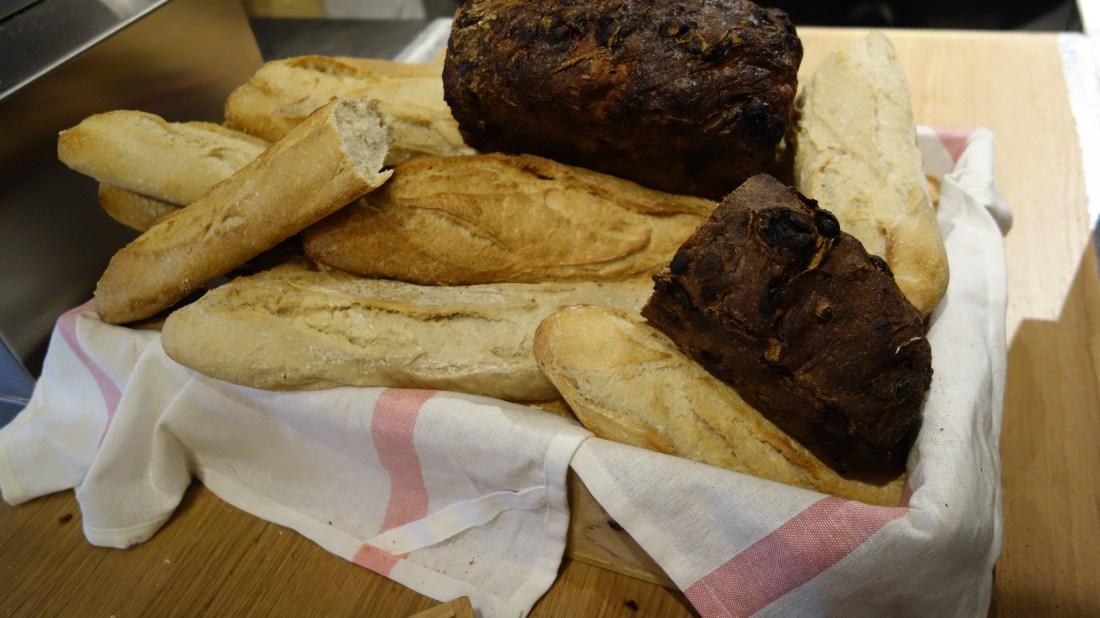 bread mob hotel paris saint ouen