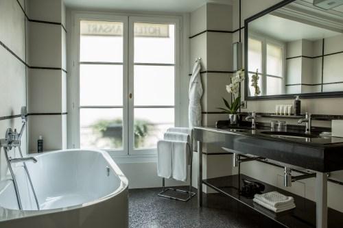 Bathroom Hotel Mansart Paris
