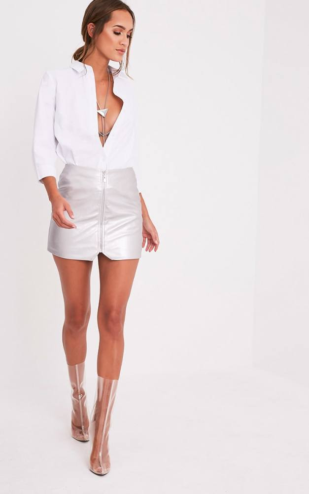 look-space-jupe-mini-argent-prettylittlething