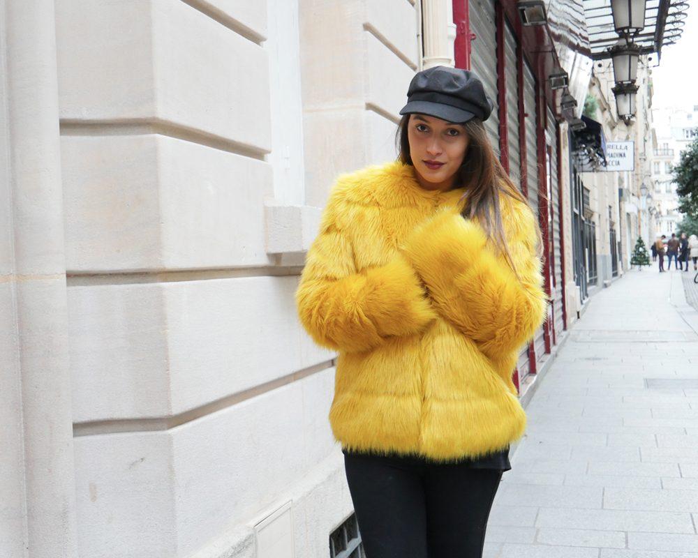 look-titi-faux-fur-jaune-hiver-froid