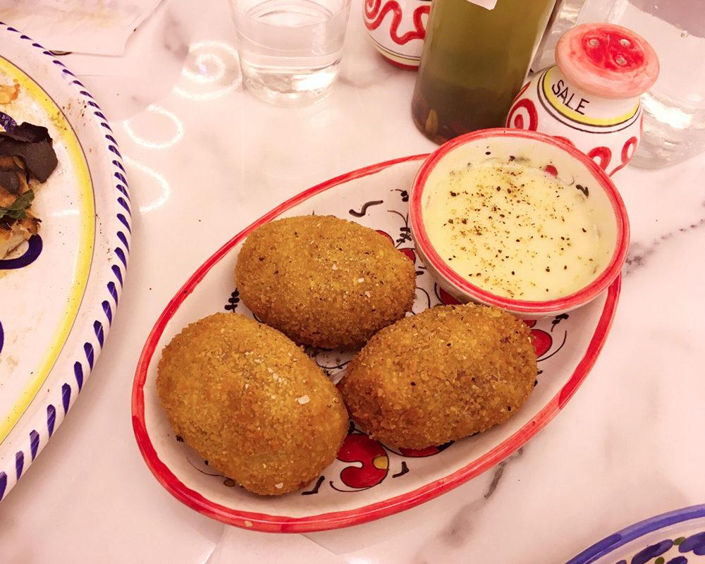 Dalmata-paris-bonne-adresse-sides-pomme-de-terre-violettes