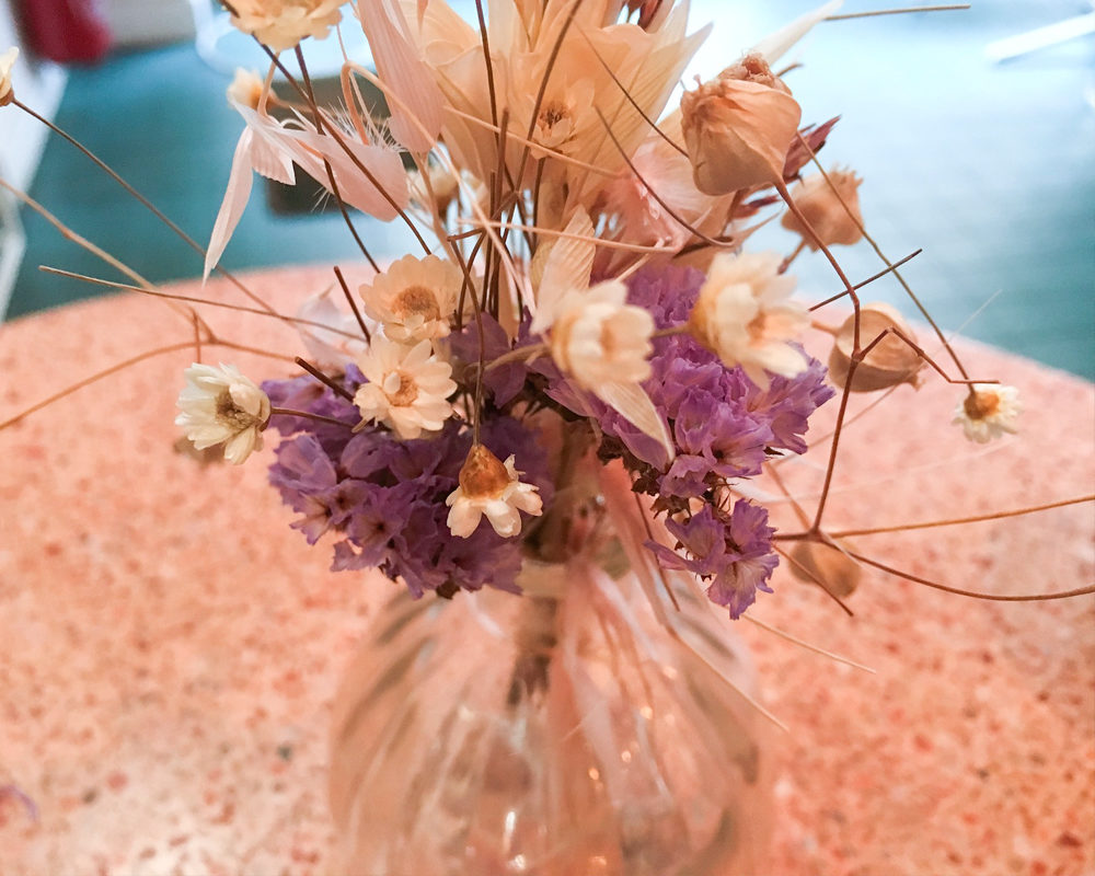 peonies-cafe-fleurs-paris-vase