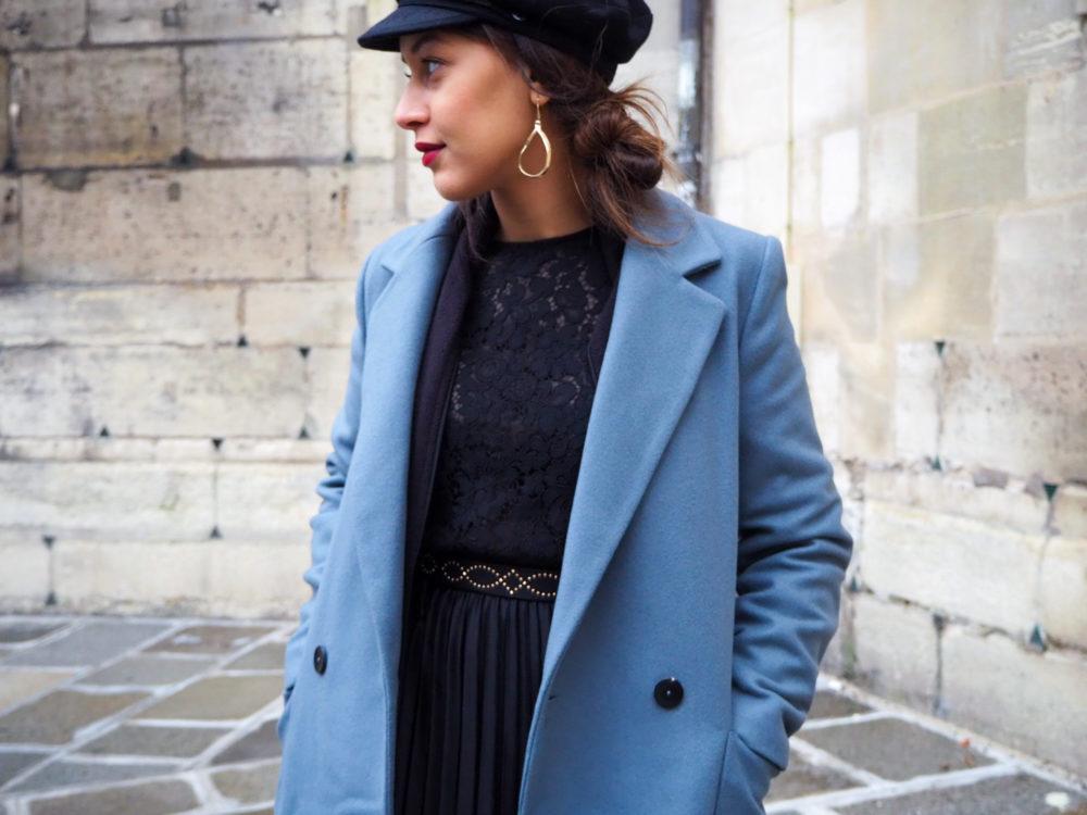 look-manteau-hiver-2020-jupe-plissée-ceinturée