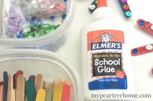 Try this super simple 4th of July craft with the kiddos in your life this holiday. Click to the post to get started!