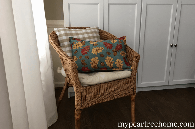 Love the throw pillows you see at Home Goods and Target, but don't like the price tag? Get inspiration for making your own throw pillows. Only $2 and 10 minutes and you have your own pillows to decorate your home! Click to the post to see!