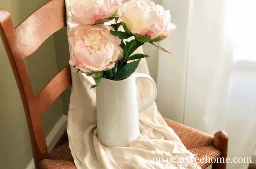 Want to add some spring decor to your house, but don't want to break the bank? Click to the post to see some easy, affordable, (and did I mention EASY) ideas to decorate your home for spring!