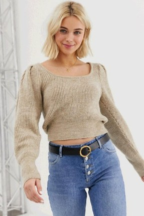 Tan chuncky sweater for winter travel