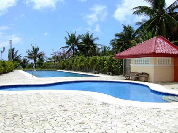Pool at the Ocean Front (and upscale) Las Conchas Del Mar Subdivision