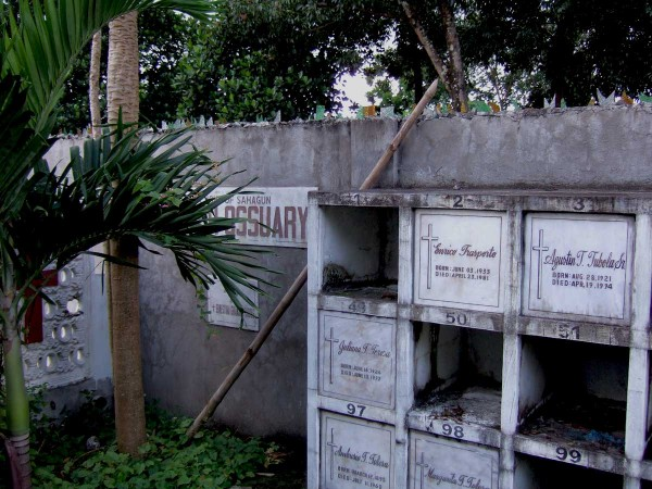 Ossuary behind Tigbauan Church