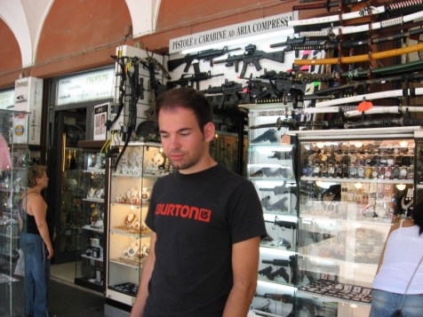 legal Waffen in San Marino