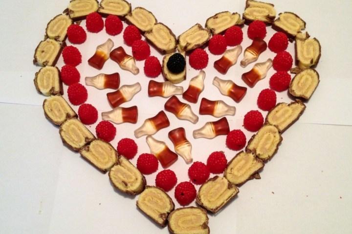 Valentinstag Herz aus Süßigkeiten