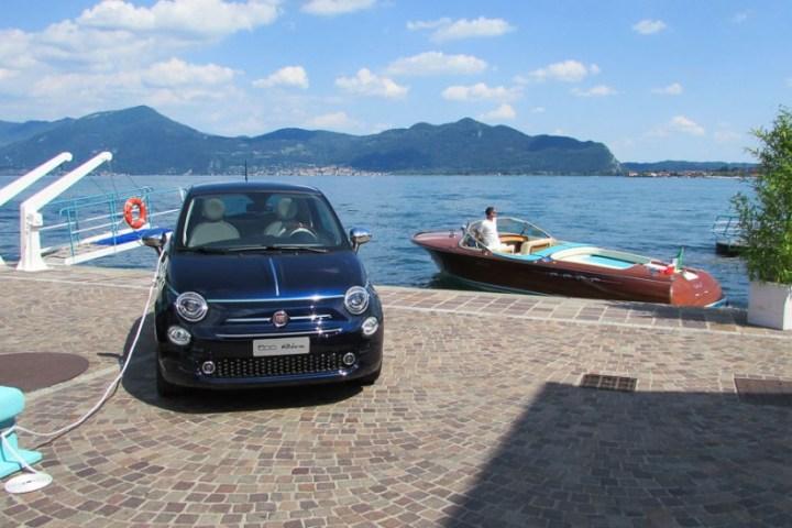 Fiat 500 Riva mit Yacht