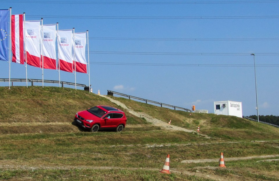seat-ateca-offroad