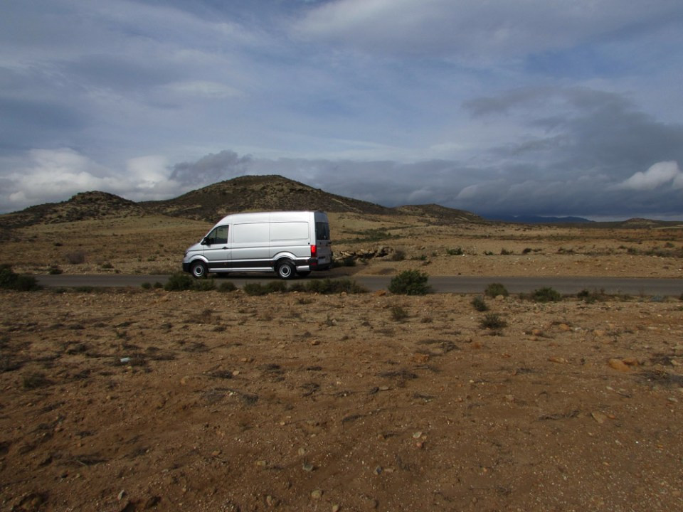 the-new-vw-crafter-in-the-desert