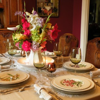 2011 Favorite Tablescapes:  Playing in the Dishes