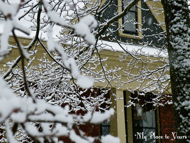 Snowy+old+house