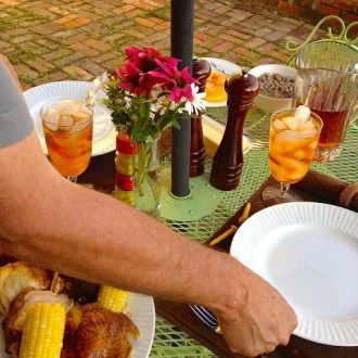 Does Your Husband Tablescape?