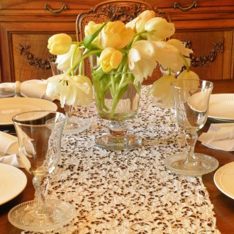 Casual Elegance: A Quick and Easy Tablescape