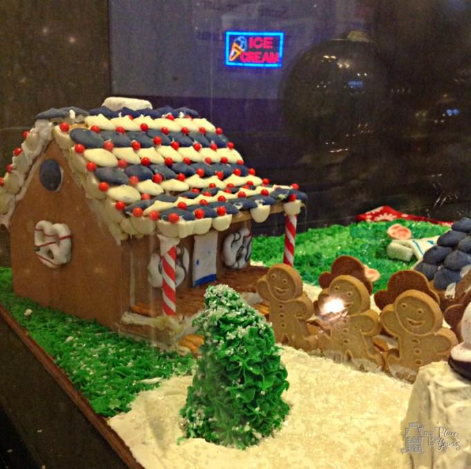 Grove Arcade Gingerbread02.Grove Arcade Gingerbreade02.IMG_3752