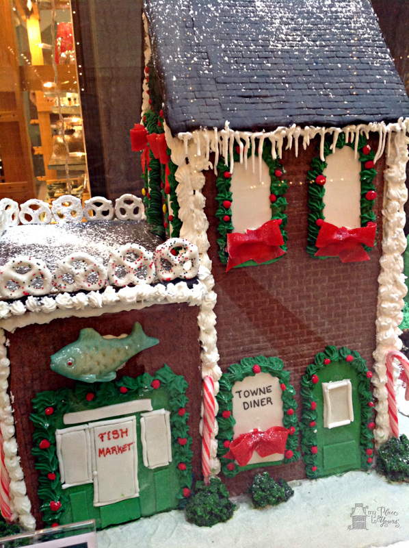 Grove Arcade Gingerbread05.Grove Arcade Gingerbreade05.IMG_3756