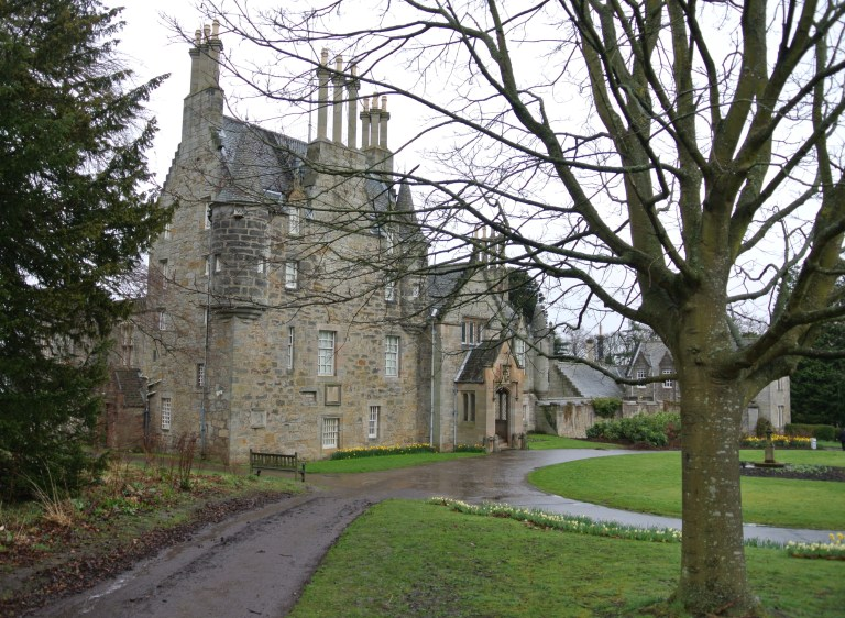 Front facing view of Lauriston Castle.