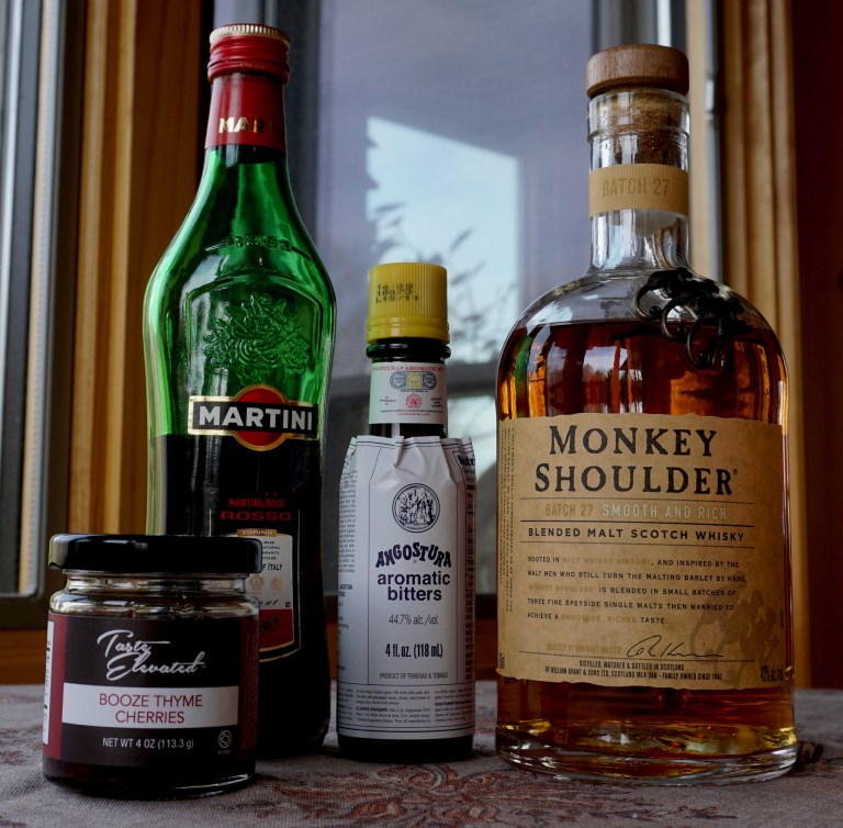 Rob Roy cocktail ingredients.