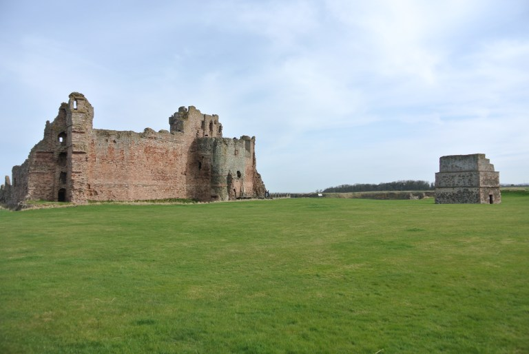 Tantallon Castle and a doocot.