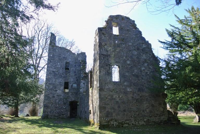 Finlarig Castle ruin.