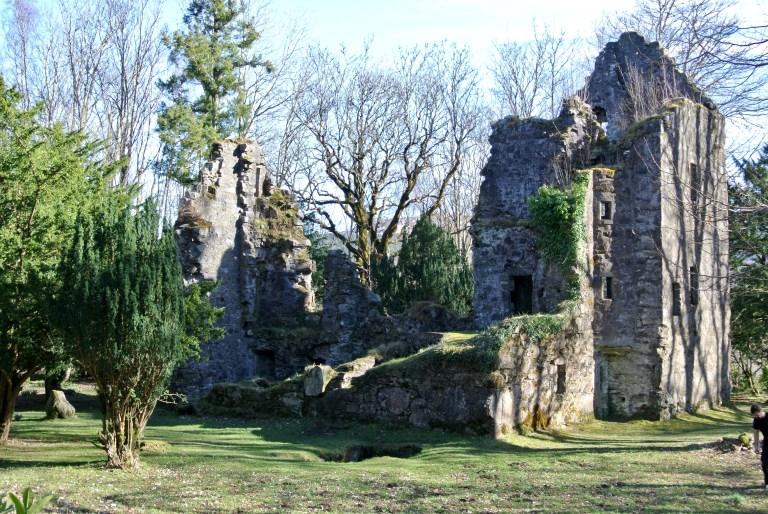 Finlarig Castle ruins.