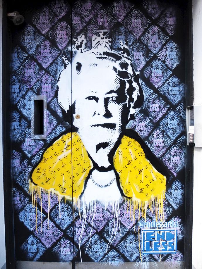 london-street-art-lizzy
