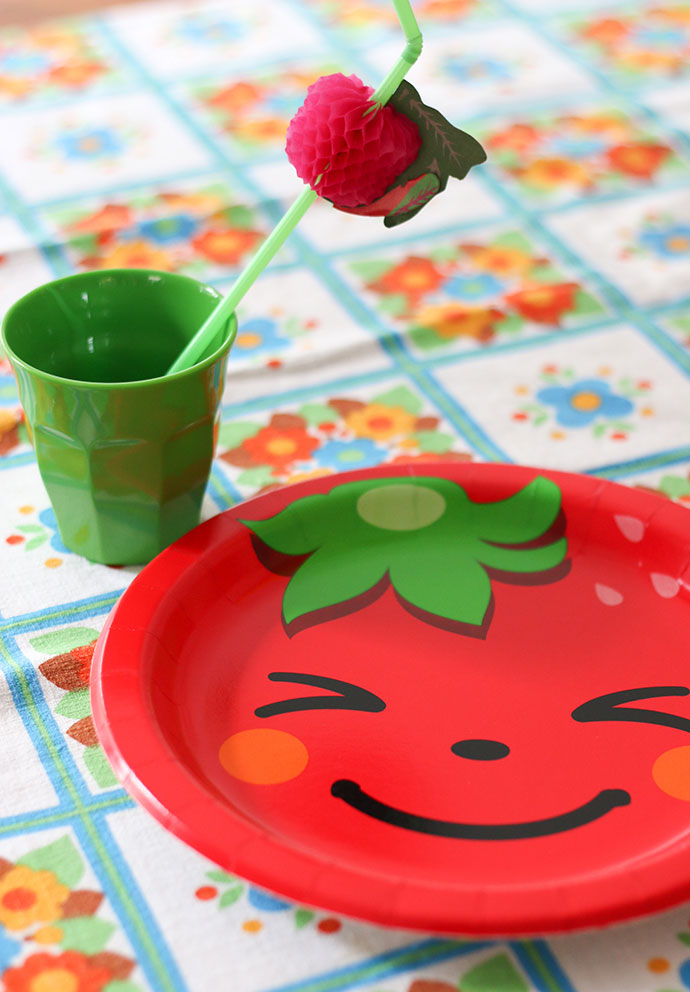 Fruit party theme - paper plates