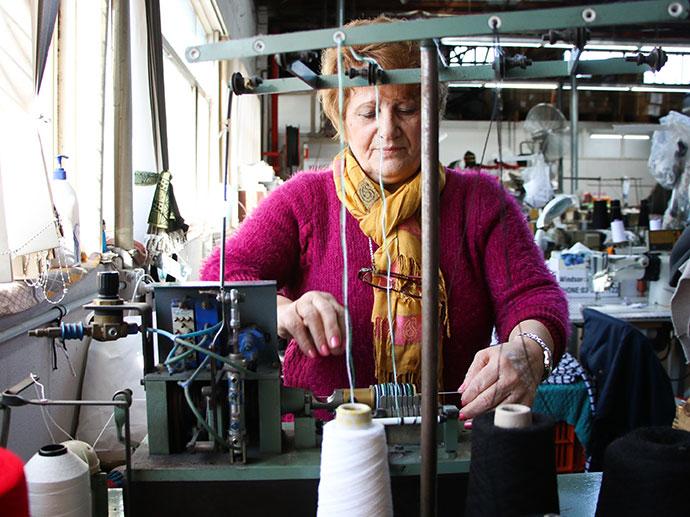 industrial pom pom maker