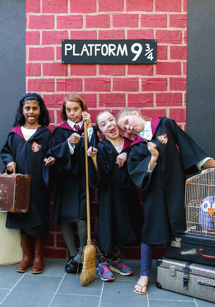 Platform 9 3/4 - photo backdrop - Harry Potter Party - mypoppet.com.au